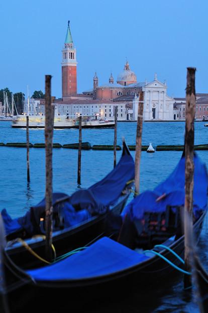 ベネチアの夕暮れ サン・ジョルジョ・マジョーレ教会を望む