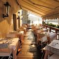写真: 運河沿いのレストランの朝(コンチネンタルホテル)