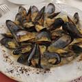 Photos: イタリア アマルフィのローカルレストランのムール貝のグラタン