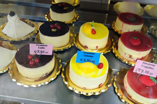 ポジターノのケーキ屋のショーケース