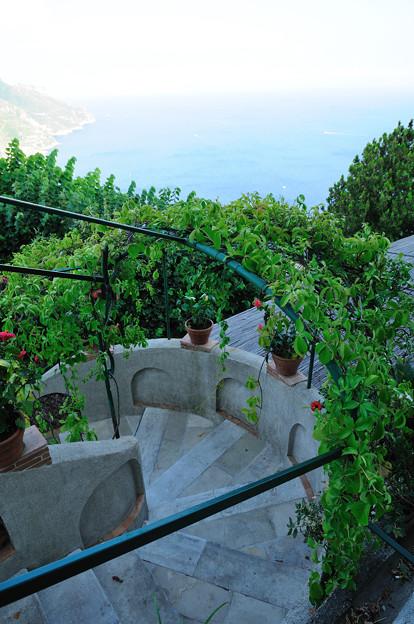 レストランへ続く階段