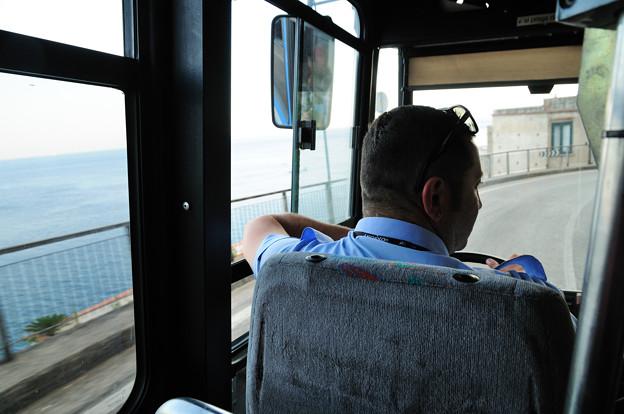 岬めぐりのバスドライバー