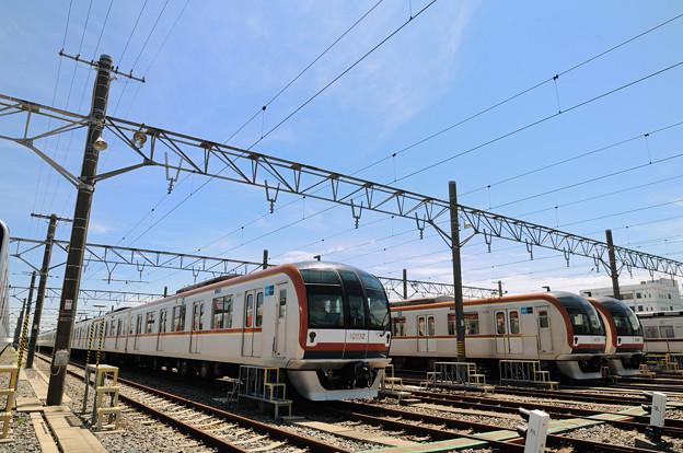 東京メトロ有楽町線 10000系の並び