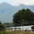 Photos: 八ヶ岳をバックに松本へ向かうE257系特急あずさ号
