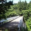 Photos: 一旦左の道から回りこんで、バイパス上に架かる陸橋を渡ってから末森...