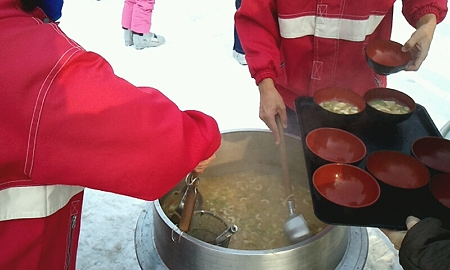 2012_01_22_東村山」第四中学校 菅平汁 (4)