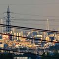 写真: 空気が澄んでるからか桃花台(小牧市)からも見えた、「名港中央大橋」と「中部電力千代田ビル」の電波塔 - 4