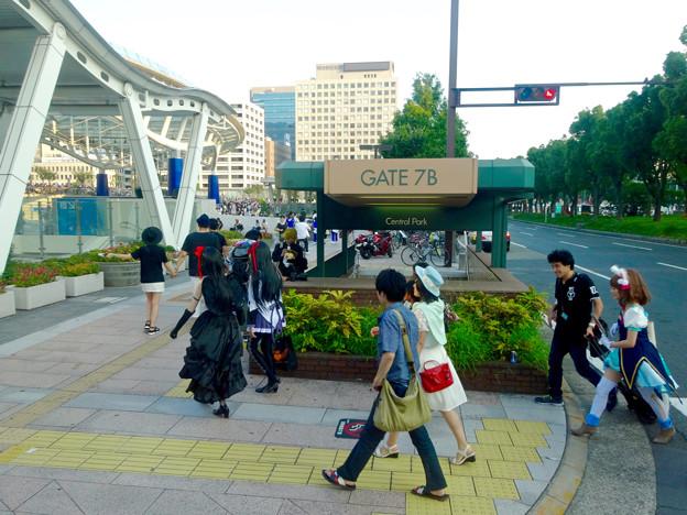 世界コスプレサミット 2015:沢山のコスプレイヤーと見物客で賑わう会場 No - 63