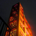 写真: 落合公園:真下から見上げた、夜の水の塔 - 3