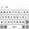 Photos: iOS 9:キーボードのフォントが変更(大文字)
