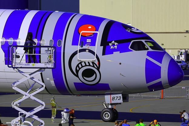 ANA_787-9_STARWARS_09-12-15_002