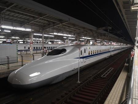 N700系のぞみ 東海道新幹線新大阪駅03