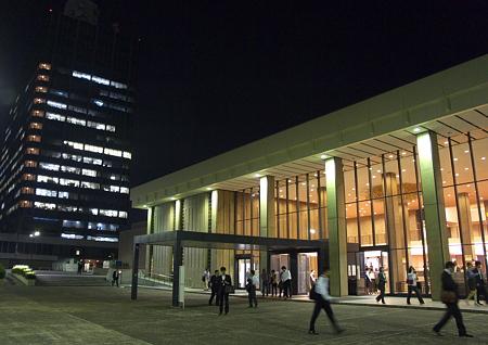 NHKホールの夕景