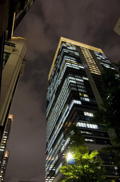 地上38階、高さ200mのオフィスビル