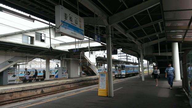 松山駅ホーム