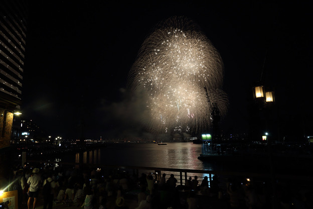 Photos: 神戸みなとまつり海上花火201511