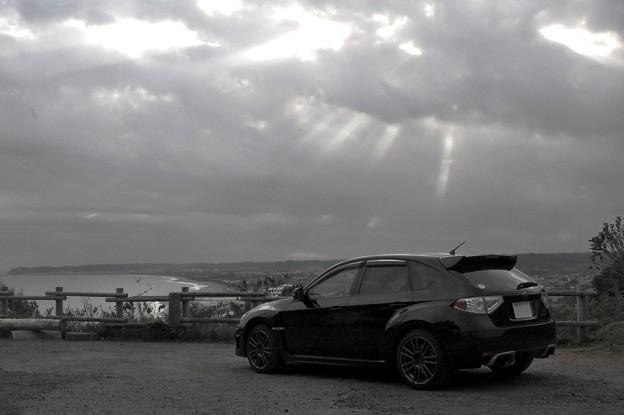 希望射す雲の下で