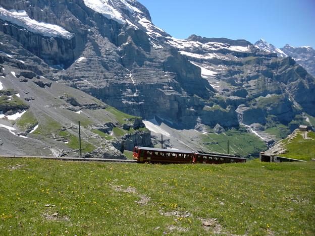 アルプスを行く登山電車