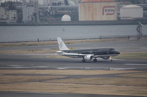 スターフライヤー エアバスA320 JA09MC 着陸