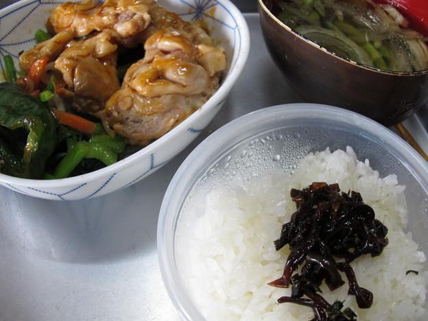 チキンステーキ、ツルムラサキとタマネギの中華風スープ(2015_08_04)