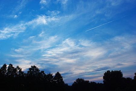 光と雲の波を目指して