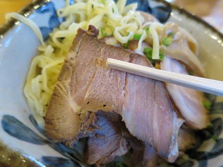 RA-MEN Kanucha屋(カヌチャ屋) つけ麺 ちゃーしゅうトッピング ちゃーしゅうアップ1