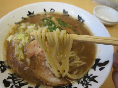 いなば製麺 濃魚超豚骨醤油 麺アップ