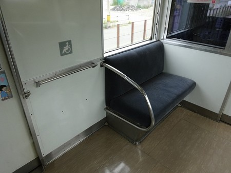 71-車いすスペース