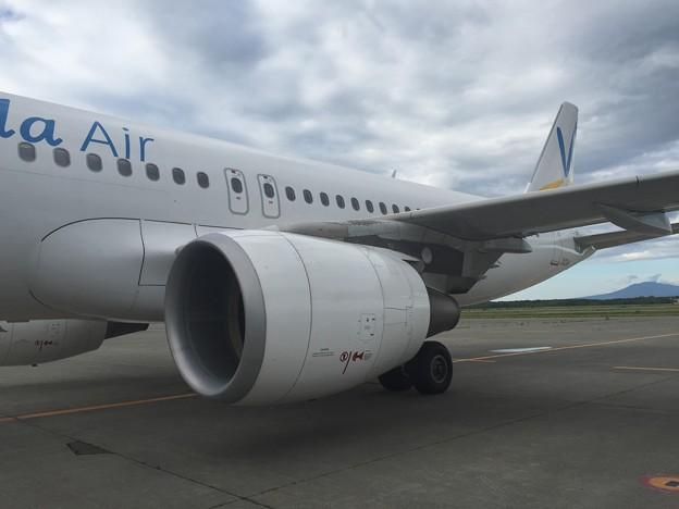 写真: 乗機するJA03VA