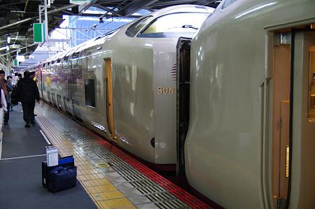 Photos: s4701_サンライズ_岡山駅で列車分割