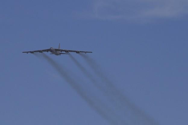 Fly Bye @B-52