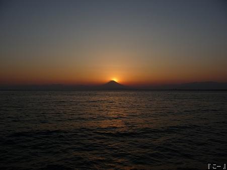 110406-江ノ島からダイヤモンド富士 (92)