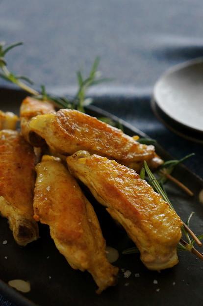写真: 鶏スペアリブのぱりっぱりマヨカレー焼き