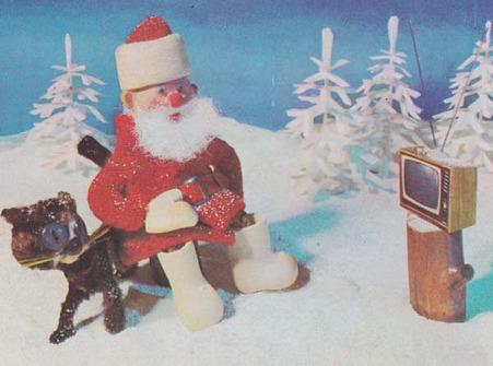 サンタさん、TVを見る!拡大
