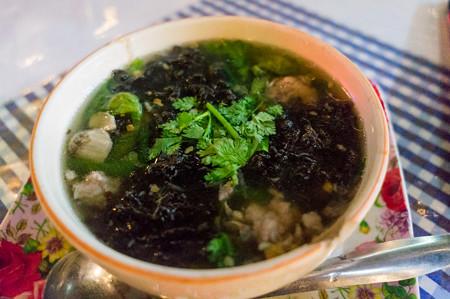肉団子とのりのスープ