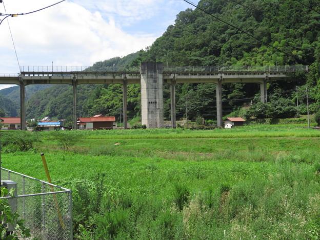 宇都井駅に降りちゃいました。 次の列車が来るまで約6時間・・・どう...