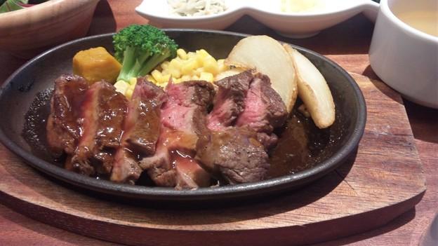 一汁六菜リゾートランチ 贅沢牛ロースステーキランチ