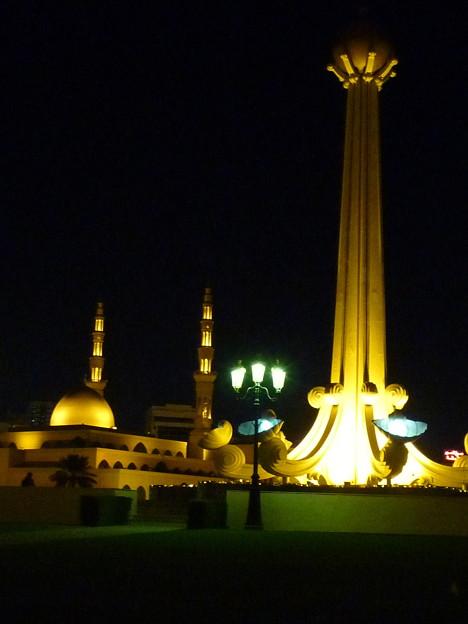 キング・ファイサル・モスク King Faisal Mosque at night