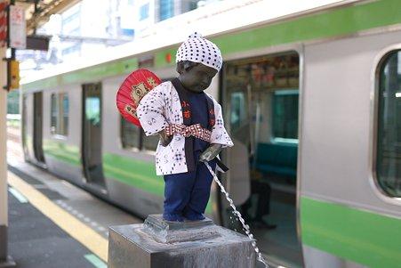 2011.09.28 浜松町駅 小便小僧