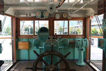 2011.04.05 みなとみらい 帆船日本丸 操舵室
