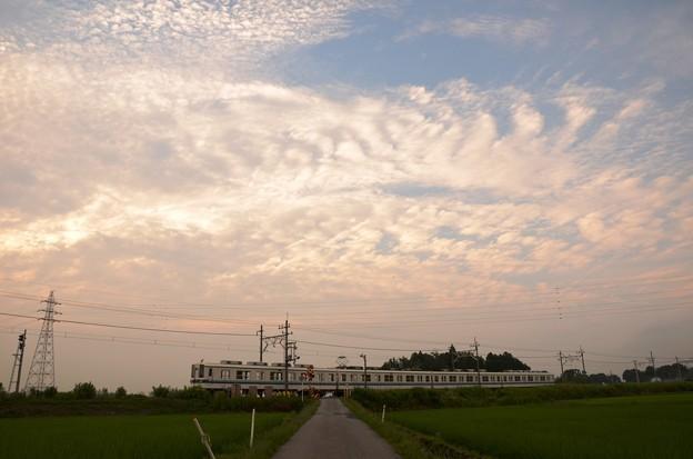 梅雨の晴れ間と東武宇都宮線8000系