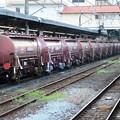 Photos: 高崎1番を通過する安中貨物タキ1200形
