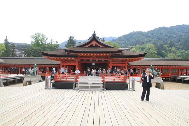 Photos: 110516-57四国中国地方ロングツーリング・厳島神社・高舞台と本殿