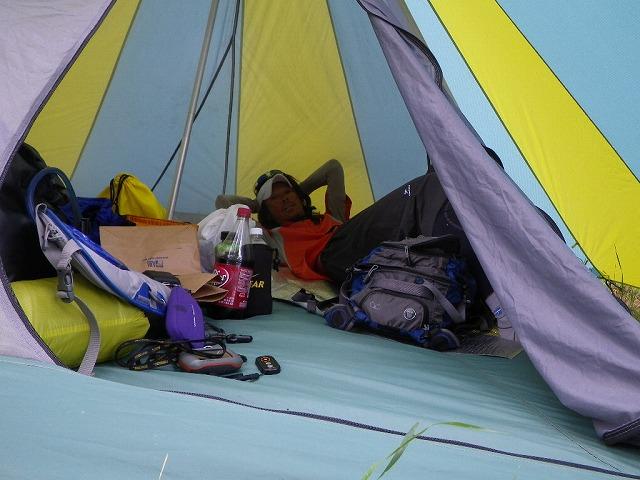 テント内の様子