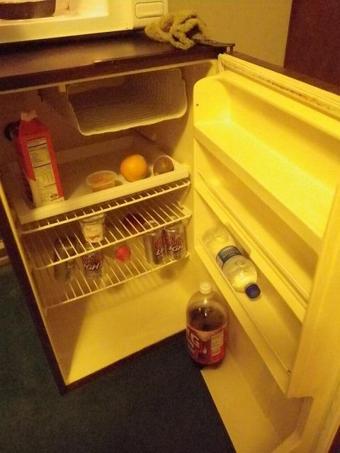 モーテルに冷蔵庫があると夏場は天国~♪