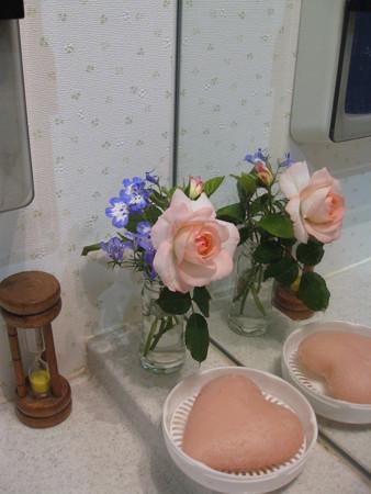 洗面所にも花