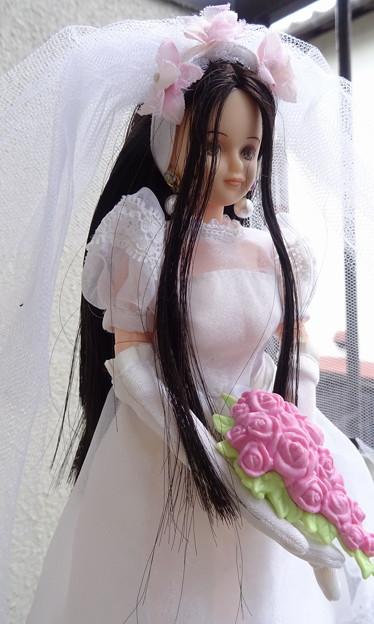 ウェディングドレス(スウィートメモリアル)を着たREINA(アップ)