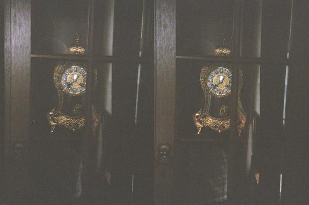 棚の中の古時計