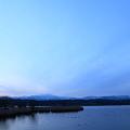 木場潟と白山と月 夜明け前