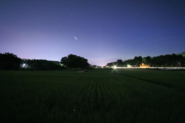 夕暮れの水田と星 +ホタル?